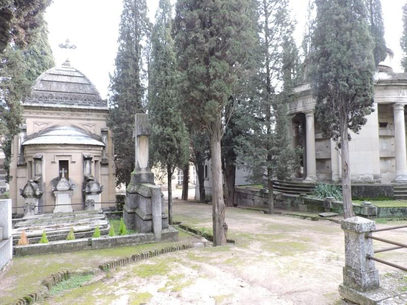 """Tumba Ante Pavelic - Este cementerio """"romántico"""" tiene rincones especialmente bellos"""