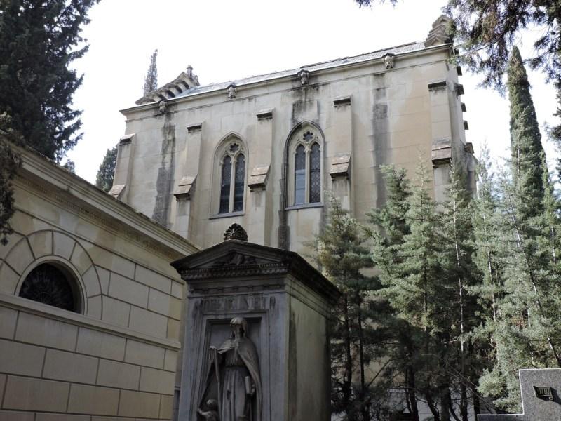 Tumba Ante Pavelic - Algunos panteones son más grandes de que muchas iglesias