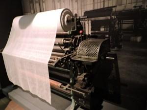 Museo Farmacia Militar - Máquina cortadora de gasas