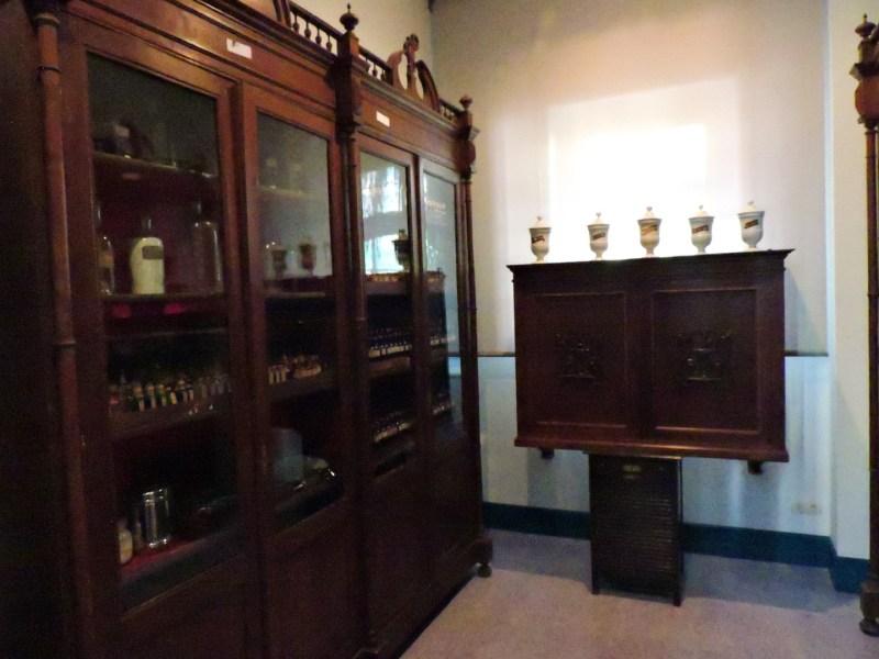 Museo de la Homeopatía - Antigua farmacia homeopática