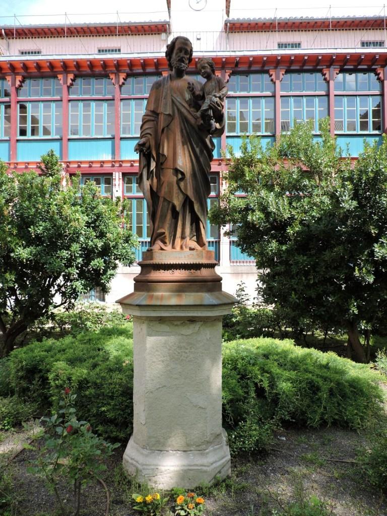 Museo de la Homeopatía - Estatua de San José