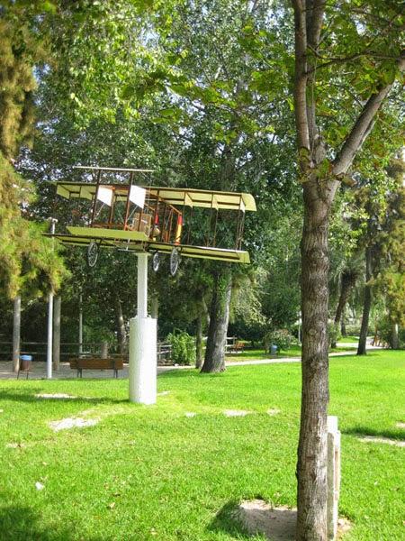 El Vuelo de Juan Olivert - Reproducción del avión Brunet nº1 en el Parque de San Antonio de la localidad natal de Olivert, Cullera (8).