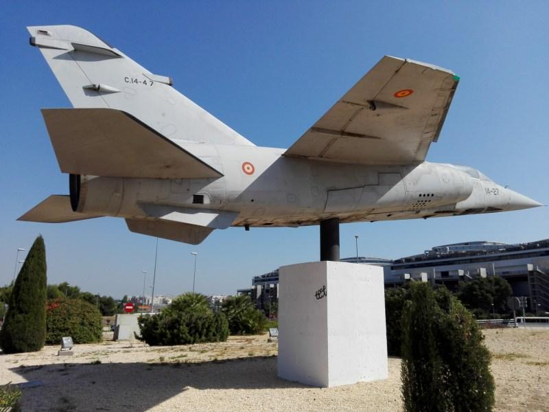 El Vuelo de Juan Olivert - Sujeción del Mirage F1.