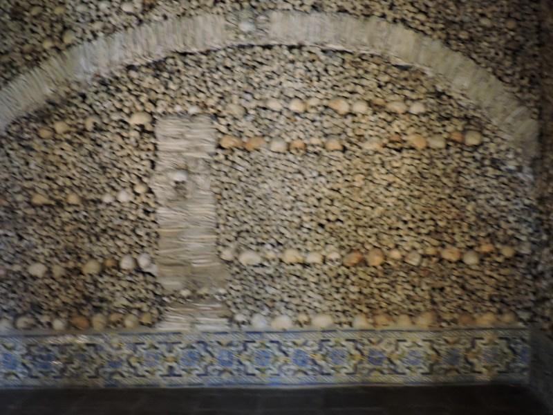 Capilla Huesos Evora - Pared de la capilla.