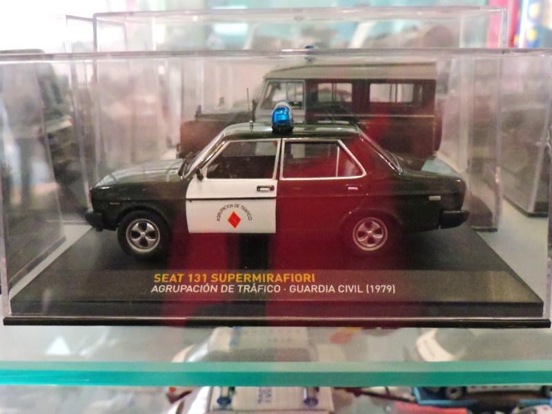 """Colección de la Policía de Boadilla - Seat 131 Supermirafiori de la Guardia Civil (""""importante, no importado"""", que decía la publicidad de Seat)."""
