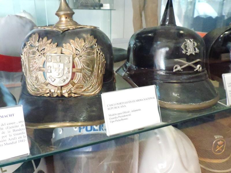 Colección de la Policía de Boadilla - Cascos de la Guardia Nacional Republicana de Portugal.