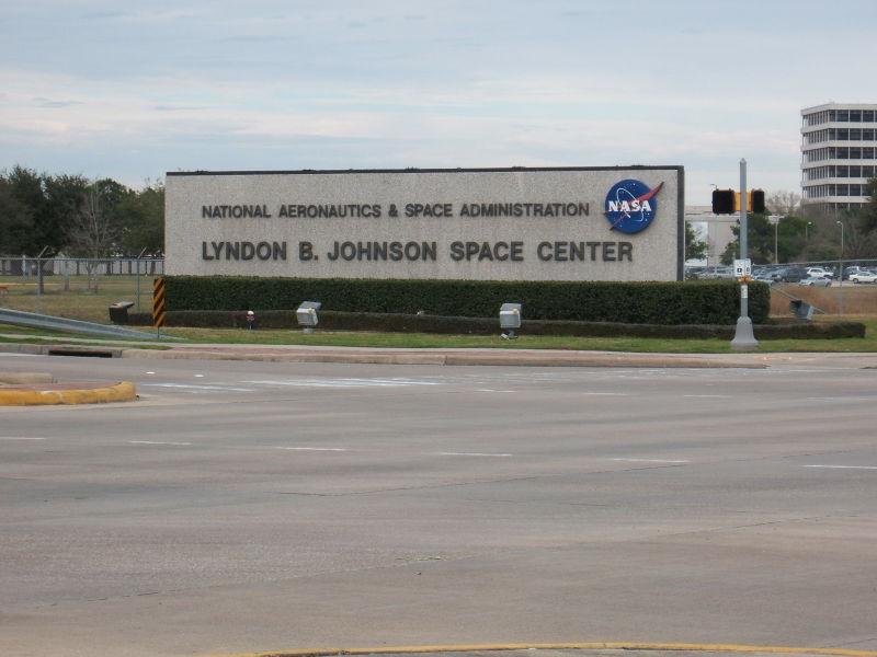"""Deep Space Network - Red del Espacio Profundo - Madrid - Entrada al Centro Espacial Johnson de Houston, Texas, donde recibieron la famosa comunicación del Apolo XIII, """"Houston, tenemos un problema"""" (12)."""