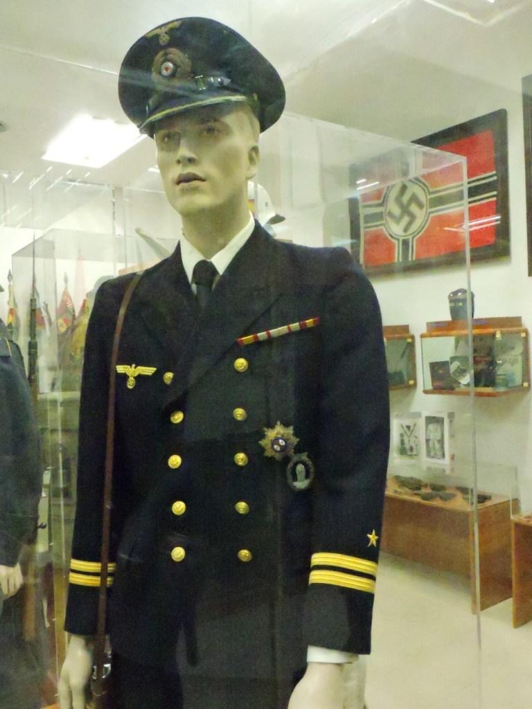 Museo División Azul - Uniforme de oficial de la Kriegsmarine.