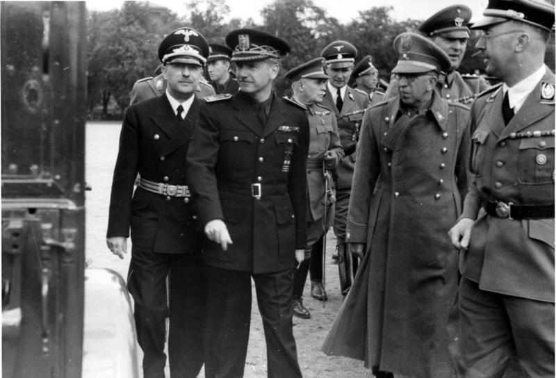 Museo División Azul - Ramón Serrano Suñer en su visita a Berlín en 1940, acompañado por Himmler (3).