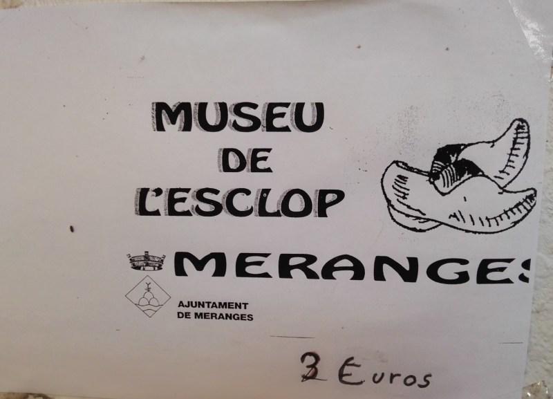"""Museo del Zueco - Entrada al """"Museu de l'Esclop""""."""