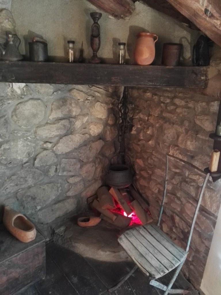 Museo del Zueco - Los zuecos se dejaban secar una vez finalizados.