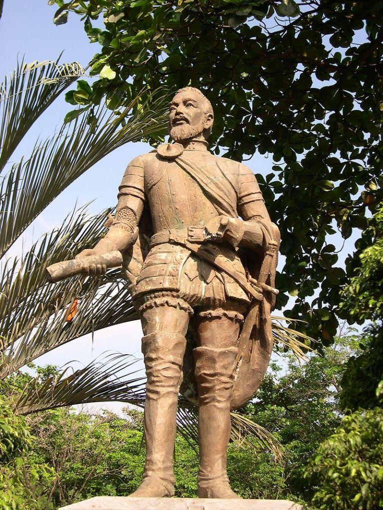 El Galeón de Manila - Estatua de Miguel López de Legazpi en la ciudad de Cebú (15).