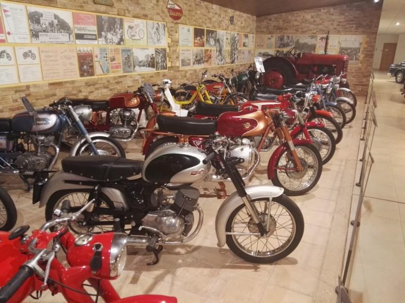 Museo Sala Team - La colección de motocicletas es impresionante.