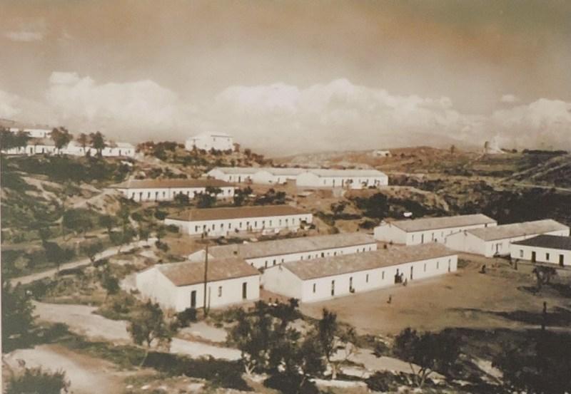 La Montaña de Sal - Con la llegada del franquismo, por fin se construyeron casas para los mineros andaluces, a las que se denominaban colonias.