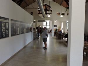 La Montaña de Sal - Exposición en la cafetería sobre la vida de las mujeres de los mineros.