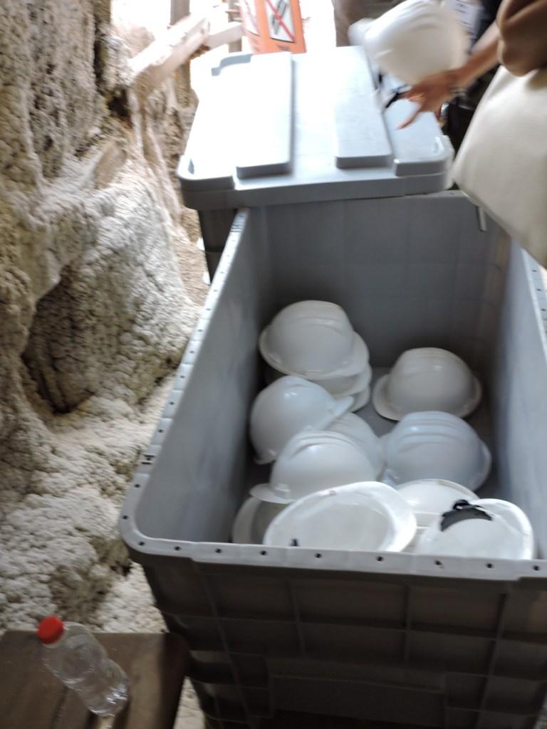 La Montaña de Sal - Como en todas las minas, es obligatorio el uso del casco.