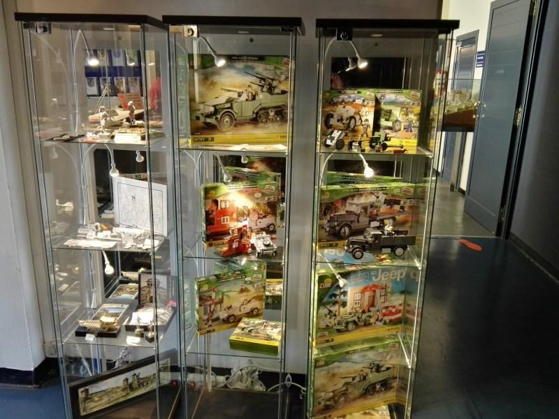 Museo de Miniaturas Militares - Se pueden comprar diversos juguetes y maquetas militares.