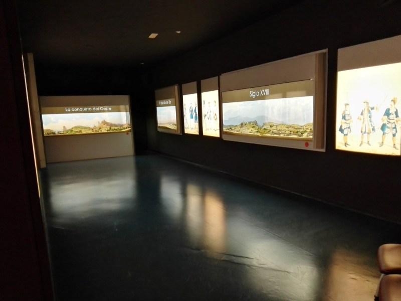 Museo de Miniaturas Militares - La exposición la forman 23 dioramas, ordenados temporalmente.