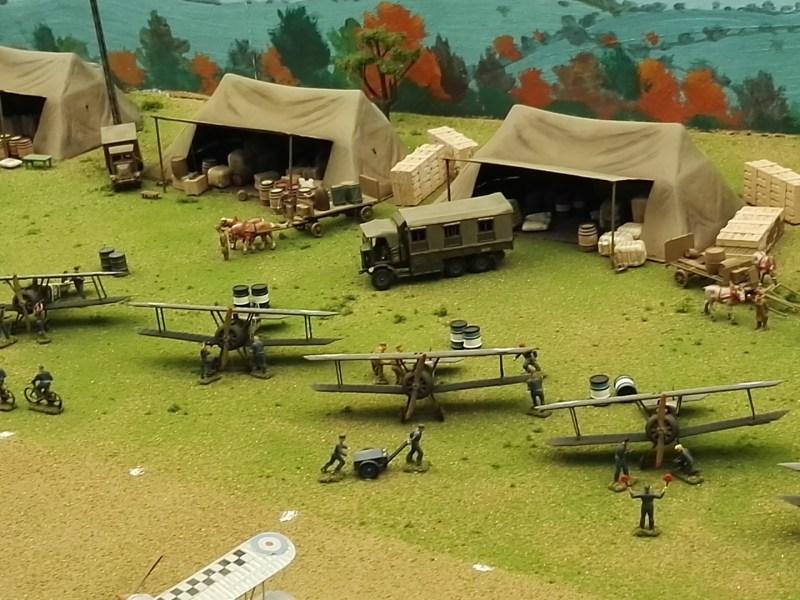 Museo de Miniaturas Militares - Hangares de campaña.