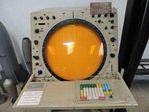 Museo del Aire - Pantalla de radar utilizado por el Escuadrón de Vigilancia Aérea nº 3 de Sevilla.