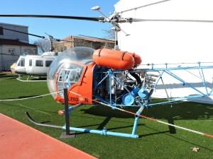Museo del Aire - Augusta-Bell 47 G-3 con cabina de burbuja y utilizado por el Ejército del Aire como helicóptero de formación.