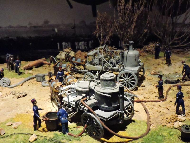 Museo del Aire - Carro auxiliar para el inflado con hidrógeno, que se generaba con vapor de agua.