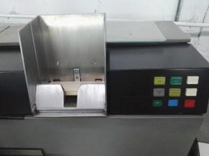Almacén del MUNCYT - El código fuente de la 1130 se introducía mediante tarjetas perforadas.