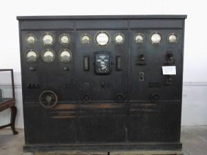Almacén del MUNCYT - Panel de control eléctrico Brown Boveri, que estuvo situado en la actual sede de la Comunidad de Madrid de la Puerta del Sol.