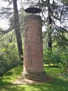 Búnker de El Capricho - Torre de ventilación.