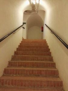 Búnker de El Capricho - Todos los accesos están en ángulo recto, como defensa ante intentos de intrusión.