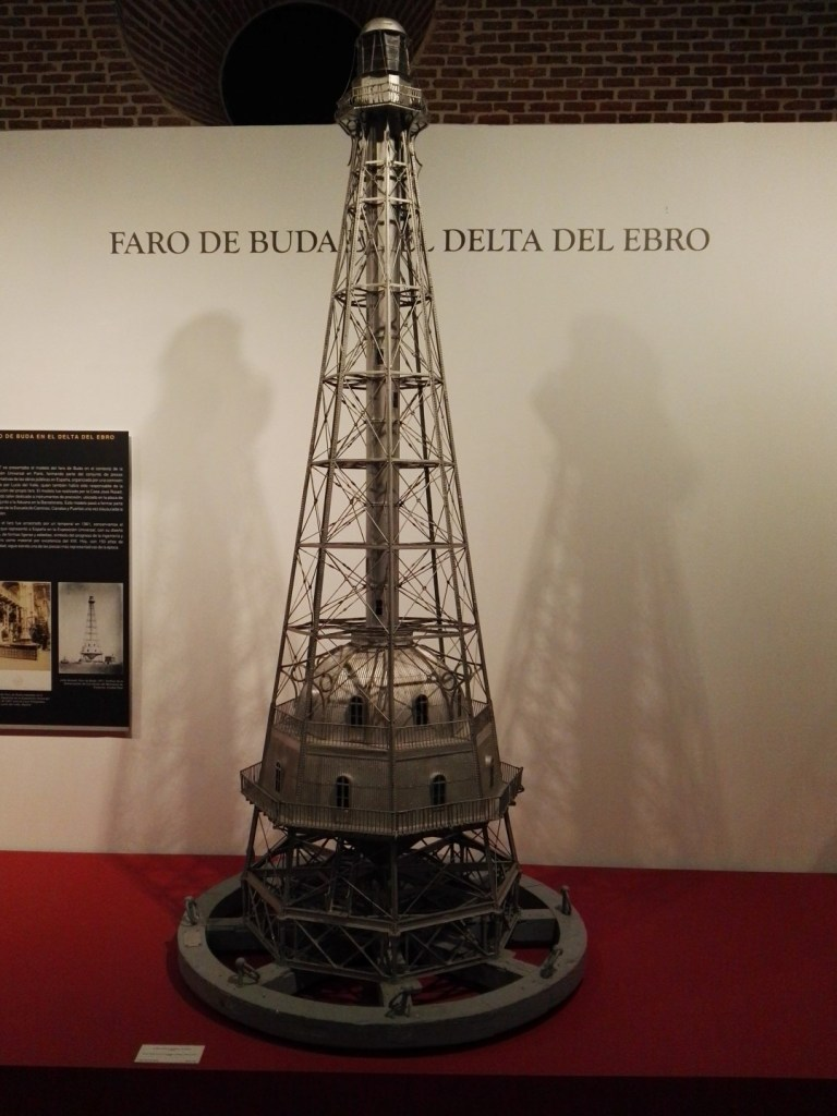 Maquetas y Modelos Históricos - Modelo a escala del ya destruido Faro de Buda en el Delta del Ebro, construido para la Exposición Universal de París de 1867.