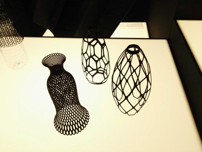3D Imprimir el Mundo - Jarrones en poliamida, para decorar botellas de PET.