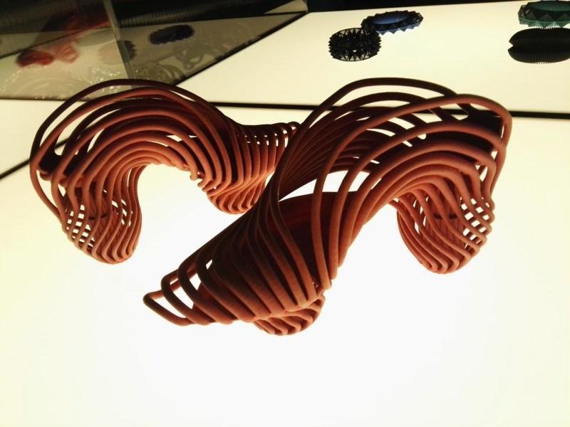3D Imprimir el Mundo - Zapatos de nylon y poliamida, diseñados para amortiguar el peso en personas hiperactivas.