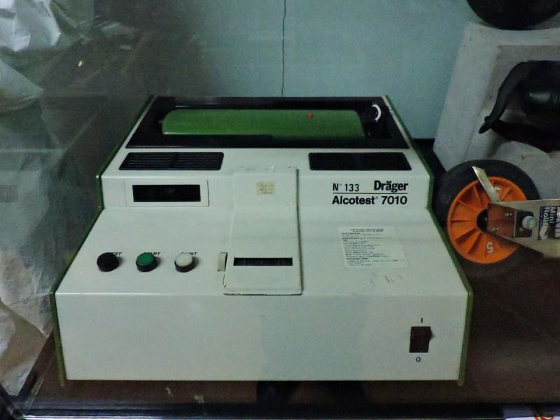 Museo Policía de Madrid - Alcoholímetro Dräger 7010.