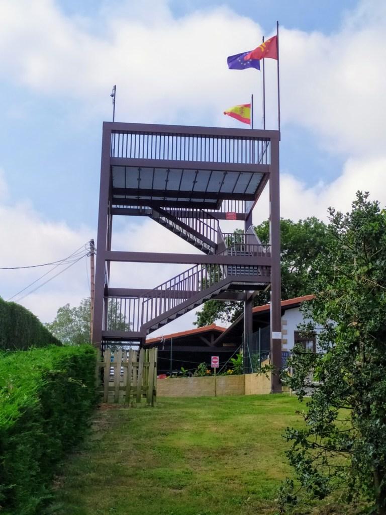 El Laberinto de Villapresente - Torre de observación al final del recorrido.