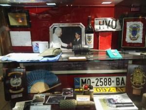 Museo de la Bripac - Vitrina con recuerdos de la Guerra de Bosnia.