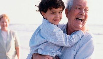 nieto-abuelos-playa