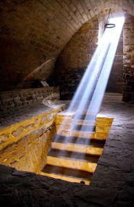 Sinagoga del Agua en el Solsticio de verano
