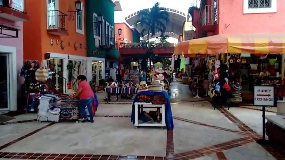 Plaza Bonita