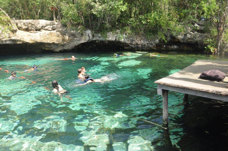 O que fazer na Riviera Maya Cenote Azul