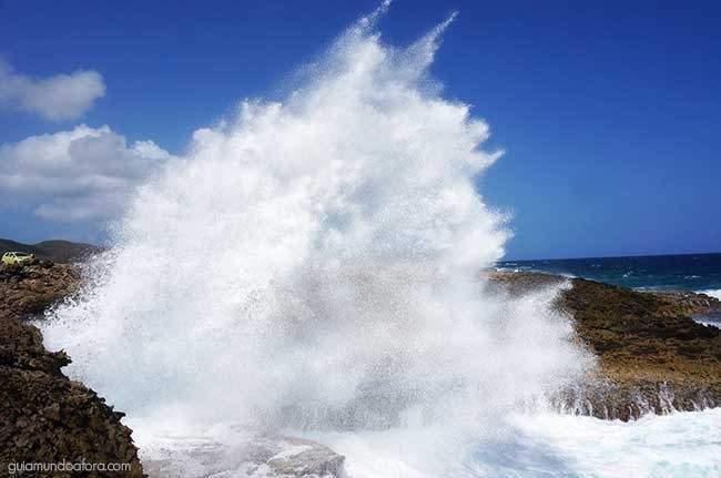 Super ondas em Shete Boka
