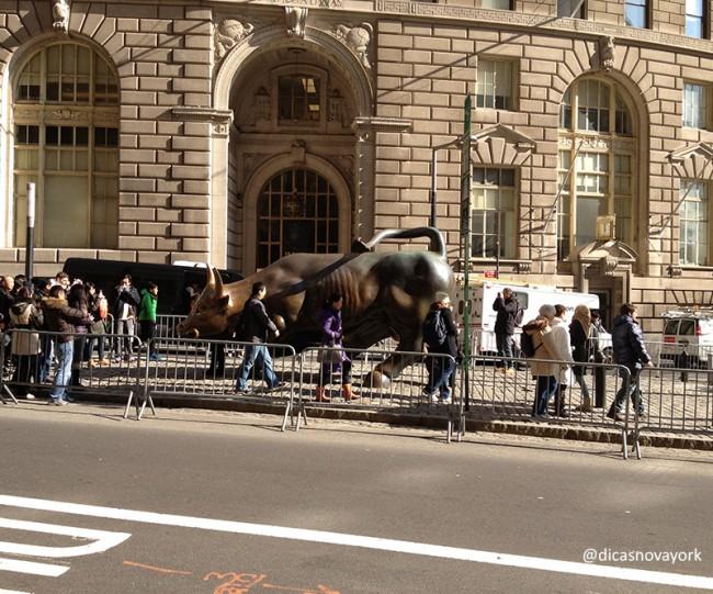 charging_bull_guia_mundo_afora