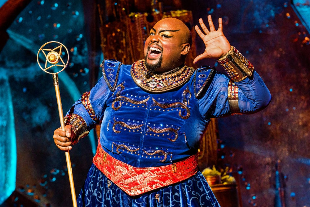 Gênio do musical Aladdin na Broadway