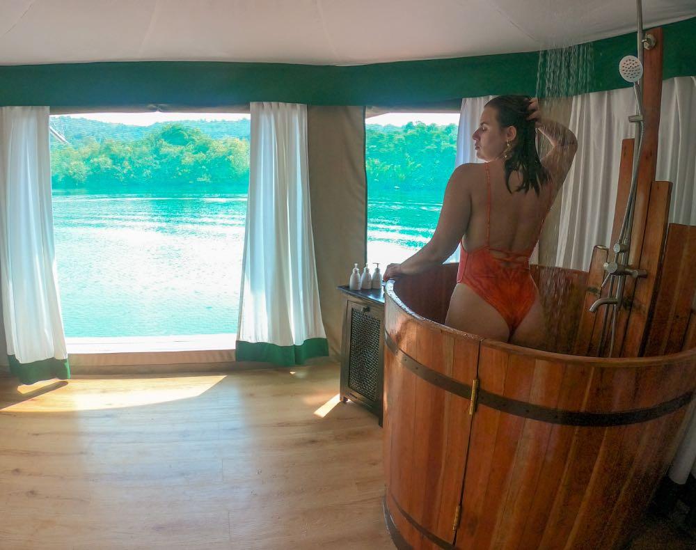 tenda flutuante - banheiro do  4 Rivers Floating Lodge