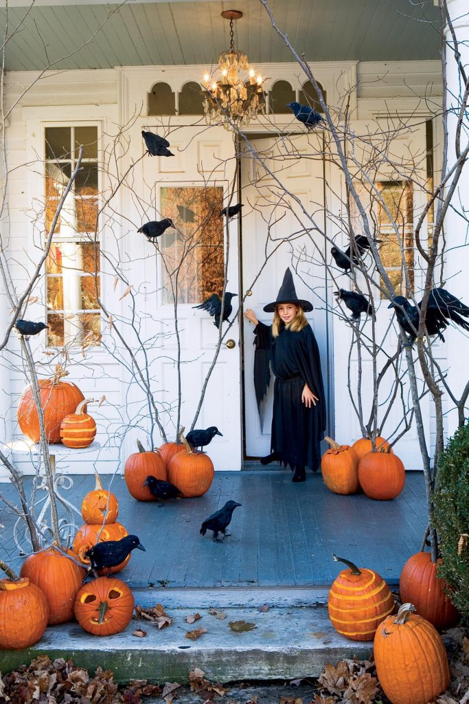 Send one to friends and family as a nice surprise on halloween or the days leading to it. DIY: decoraciones fáciles y aterradoras de Halloween 2020