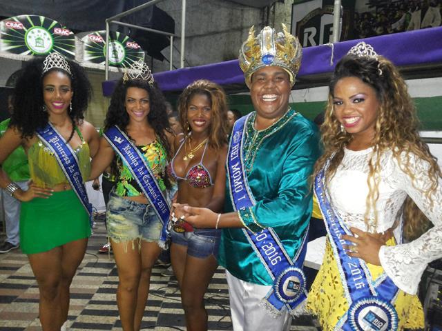 Corte Momesca cai no samba na Cubango