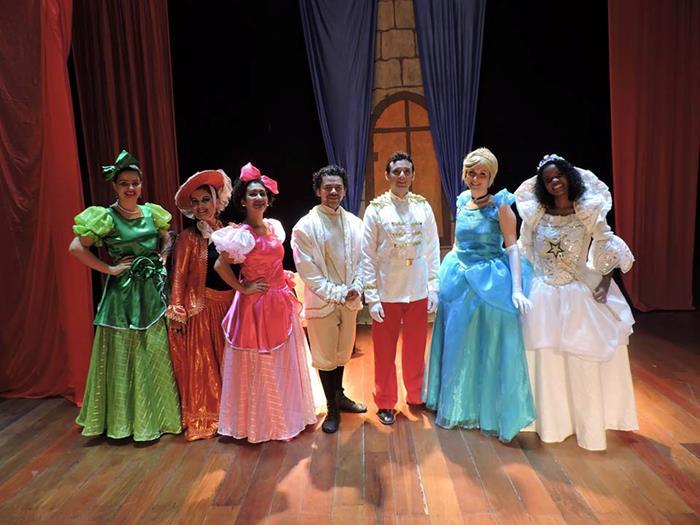 Pátio Alcântara recebe o espetáculo 'Cinderela'
