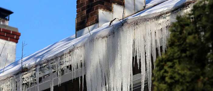 Mantenimiento de canalones en invierno