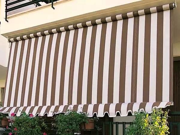Nel catalogo è disponibile un'ampia gamma di modelli per edifici residenziali e commerciali, capaci di adattarsi a ogni struttura architettonica: Tende Da Sole Guida Completa