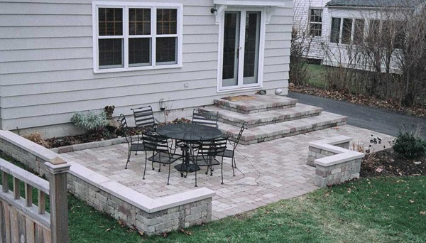 Patio di design idee per decorare e arredare guida giardino for Grey stone deck